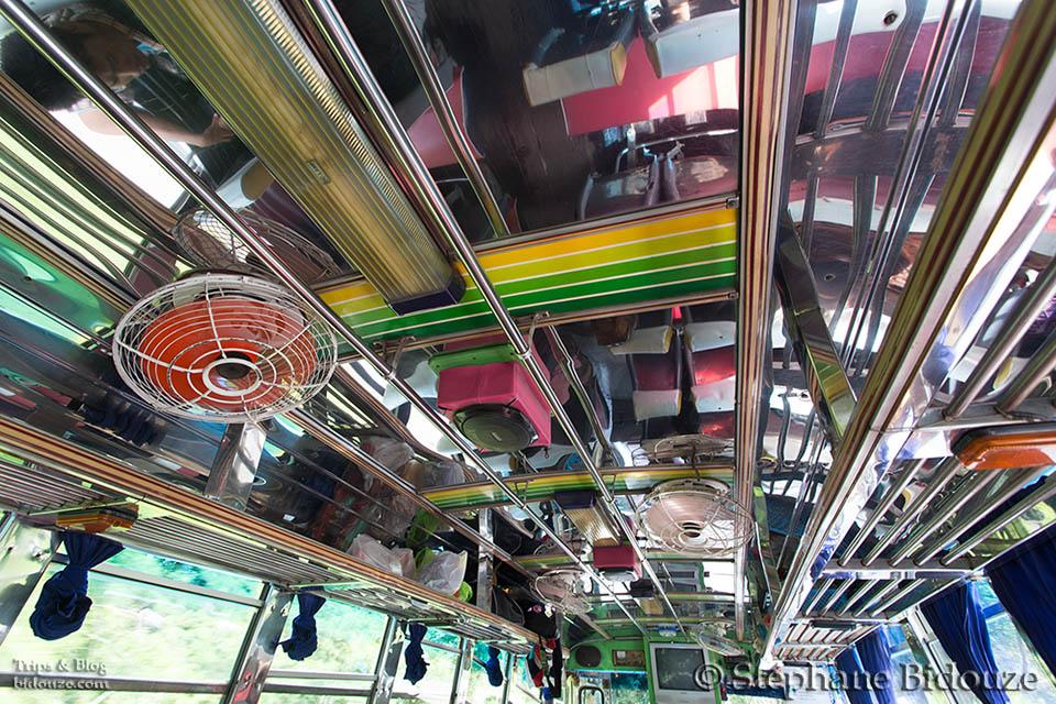 bus-thailande-plafond