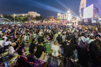 democracy-monument-protestation
