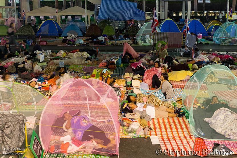manifestation-bangkok-tente-route