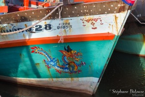 peinture-dragon-symbole-bateau-birman