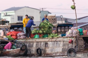 Cai-rang-market-floating