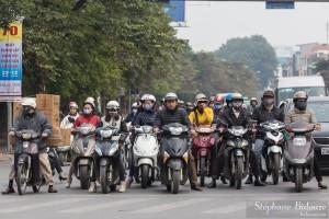 motorbike-hanoi-street-front