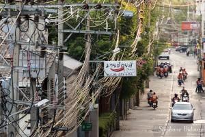 bangkok-chaos-fils-electrique