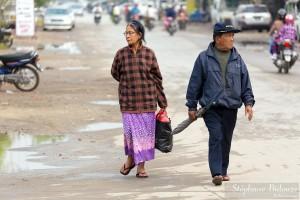 people-mandalay-walking