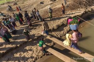 débarquement-bateau-irrawaddy-myanmar