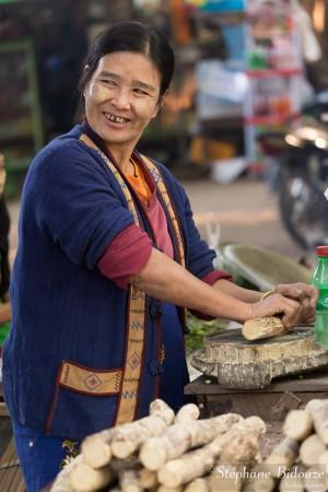 thanaka,femme-myanmar