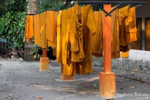 robes-moine-bouddhiste