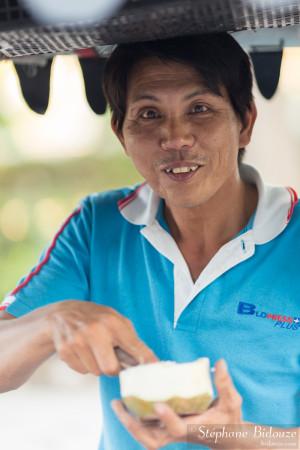 thailande-vendeur-coco-noix