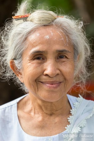 femme-senior-thailande-portrait