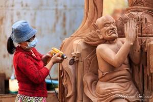 sculpture-bois-statue-bouddhique-thailande