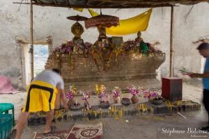 temple-englouti-thailande